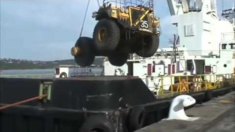 Chain Breaks While Loading Heavy Equipment on a Cargo Ship