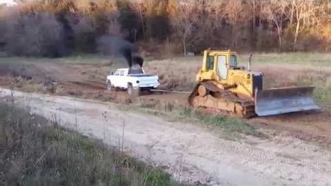 Chevy Cummins vs Dozer in Gear First Attempt Fail