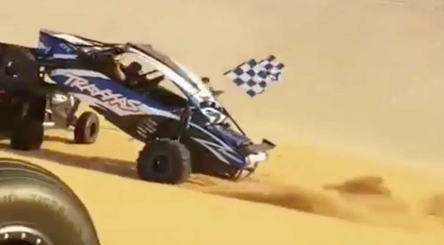 Buggy Crashes Into RZR At The Glamis Sand Dunes... Pay Attention People!
