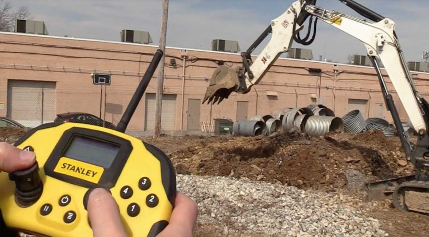 New Tech Allows Heavy Equipment To Be Maneuvered With Xbox Controller