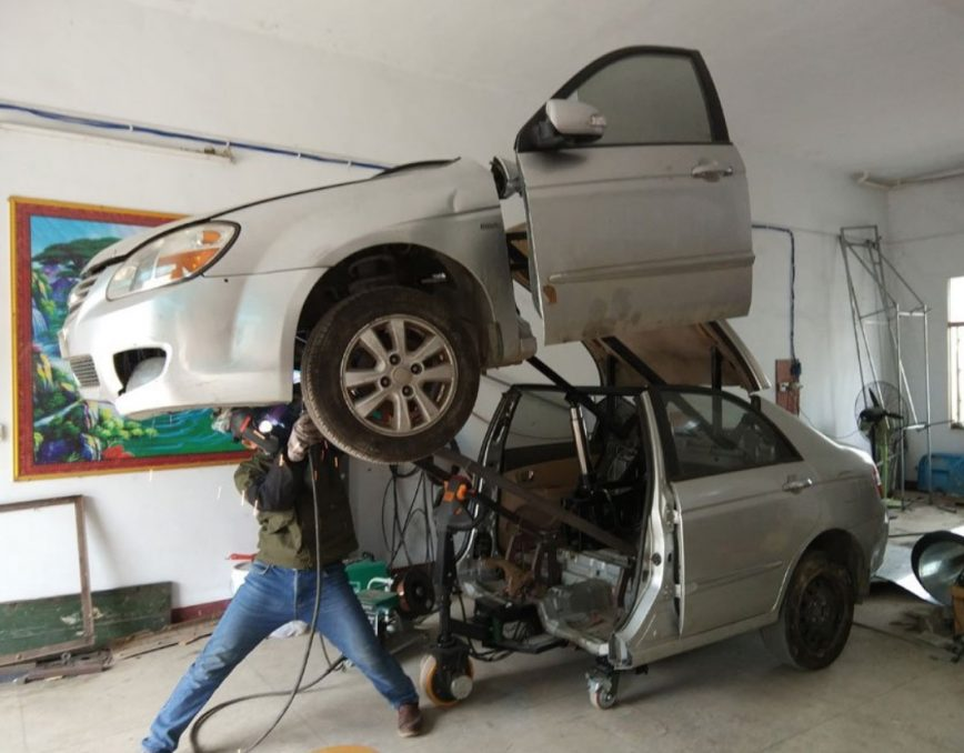 Forget Hobby Models, Engineer Turned a Real Car Into Transformer