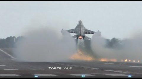 "This F-16 Fighter Jet Almost Seems as if it Defies Gravity, Flexing Skills After a ""Touch-and-Go"""